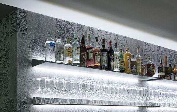 Loewen Caffè Bar Deli | Spazi pubblici Rimadesio: porte scorrevoli in vetro e alluminio, librerie, cabine armadio