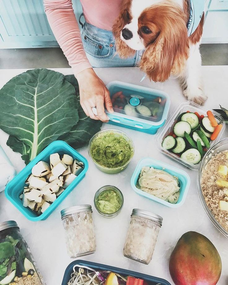 It's Meal Prep Sunday!! Watch our top meal prep tips.  What's everyone making for the week? I'm whipping up Blueberry Chia Muffins, Pick-me-up Chia pudding, kale chips, salads, tray dinners & chopping up veggies for dip!! @KatrinaaScott #TIUmealprep #TIUbikiniseries