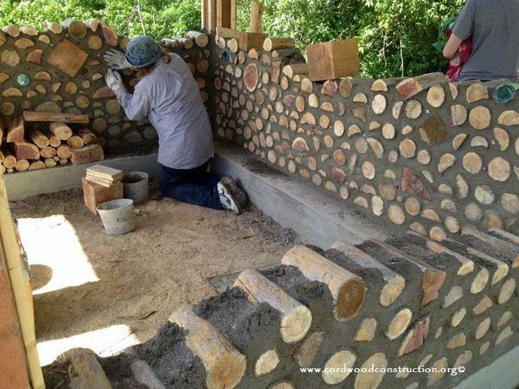 Spitzenschuppen aus Cordholz – Cordwood Construction ™ #WoodWorking