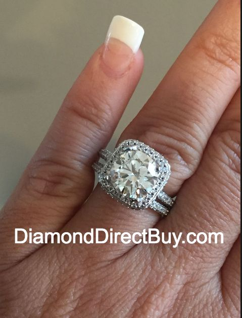 Harry Winston Style Halo Shown With A 302 G Vs2 EGL Certified Hearts And Arrows Center