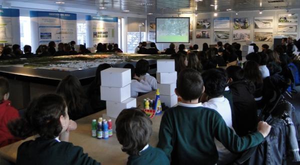 El primer taller educativo de ciudad, arquitectura y diseño en Valdebebas, con Chiquitectos. Colegios de Madrid participan, hasta junio.