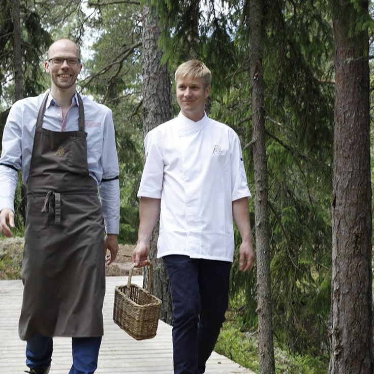 Chefs & Restauranteurs follow our berry path in the Archipelago islands in search of wild food:  http://www.kontikifinland.com/holidays/destination/1194732/helsinki-eastern-archipelago/day-trip-helsinki-archipelago-tour-5-course-fine-dining-island-to-table-experience