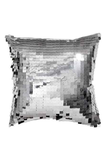 Чехол на подушку с пайетками