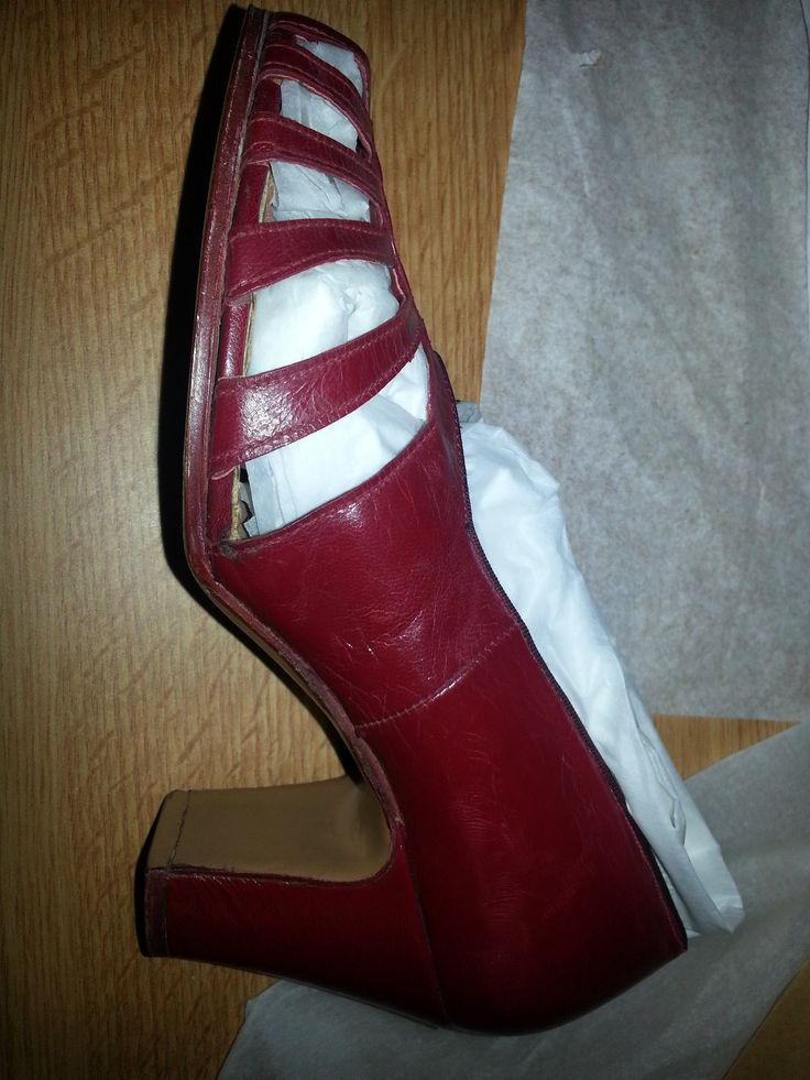 1940s Womens Red leather cut out court shoe by Gipsey Queen