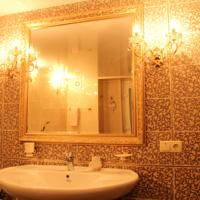 VIP Дерибас квартира · Фотографии недвижимости http://www.booking.com/hotel/ua/vip-deribas-apartment.html