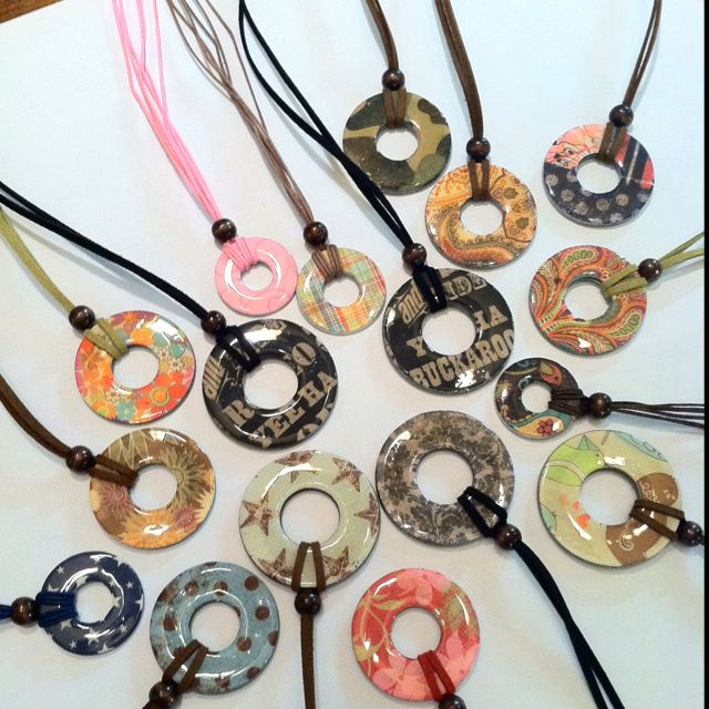 Repurposed washers = pendant necklaces - these remind me or doughnut necklaces, i had a gold one with a leather strap.