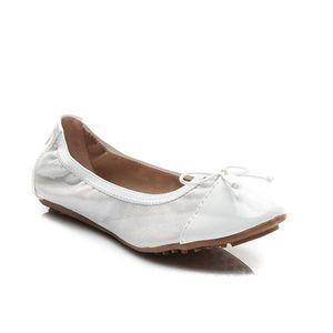 Białe mięciutkie balerinki