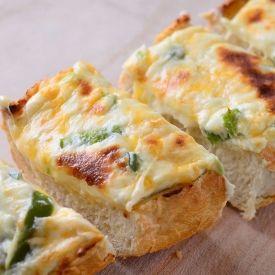 Jalapeno Popper Cheese Bread