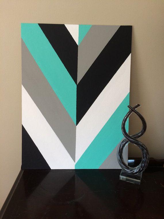 ★ Il sagit dune toile en forme de flèche chevron géométriques modernes de peintes à la main. Cette pièce est de 18 « x 24 ». Ce travail peut calé vers le haut sur un étage, ou vous pouvez laccrocher sur un mur. ★ Veuillez noter que cette pièce est seulement la toile elle-même, un cadre et montage du matériel nest pas inclus. ★ Les couleurs sont bleu sarcelle, gris, noir et blanc.
