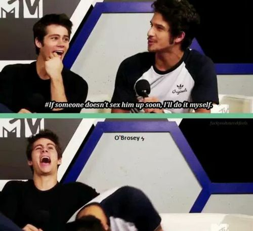 dylan o´brien and tyler posey- look at Dylan's laugh!! These two lolololol  xD  O.M.G.