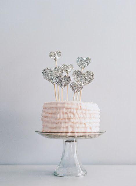 cake | DIY glitter heart cake topper