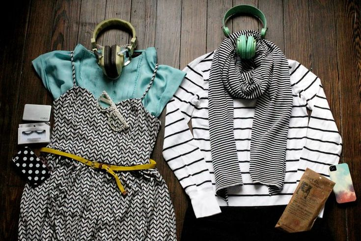 Love these combosPattern Mixing, Travel Wear, Black And White, Pattern Mixed, Mixed Prints, Cute Travel Outfit, Lights Blue Shirts, Travel Outfits, Mustard Yellow