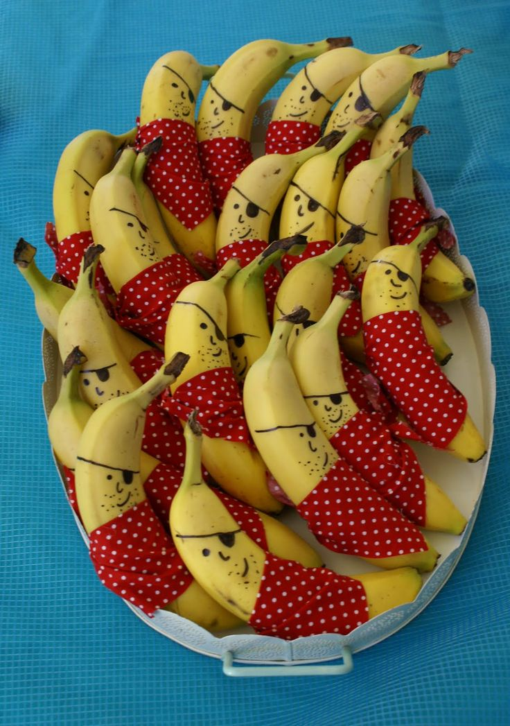 How great are these pirate bananas for the under the sea theme!