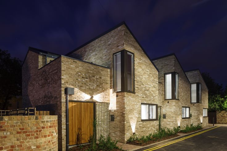 VELFAC glazing works very well in smaller residential projects, like in these eight contemporary designed two-storey dwellings.