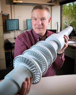 Es un 50% más eficiente que las turbinas de vapor convencionales, capaz de generar lo mismo que una turbina convencional 10 veces mayor.