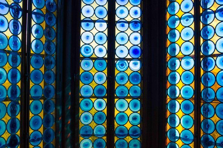 Rocchetta Mattei castle Bologna - window