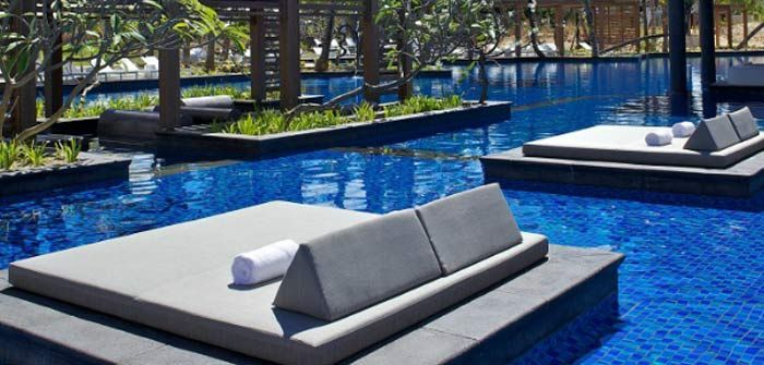 """Long Beach Hotel is situated along one of the longest and widest stretches of sandy coastline in the east of Mauritius. This contemporary and chic hotel has been built around the concept of carefree and lively """"Italian life"""" with a piazza surrounded by restaurants, bars and boutiques.   http://www.concierge-hotels.com/accommodation-mauritius/hotels/long-beach-27  #Mauritius #Hotel"""