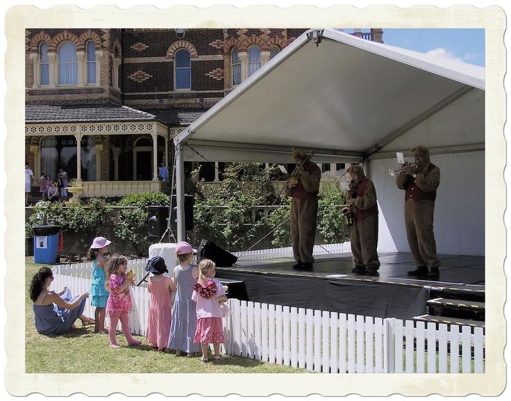 Live Entertainment, Teddy Bear's Picnic at Ripponlea 2012 || #Ripponlea #house #gardens #historic #mansion #Melbourne #Australia #events #family #kids