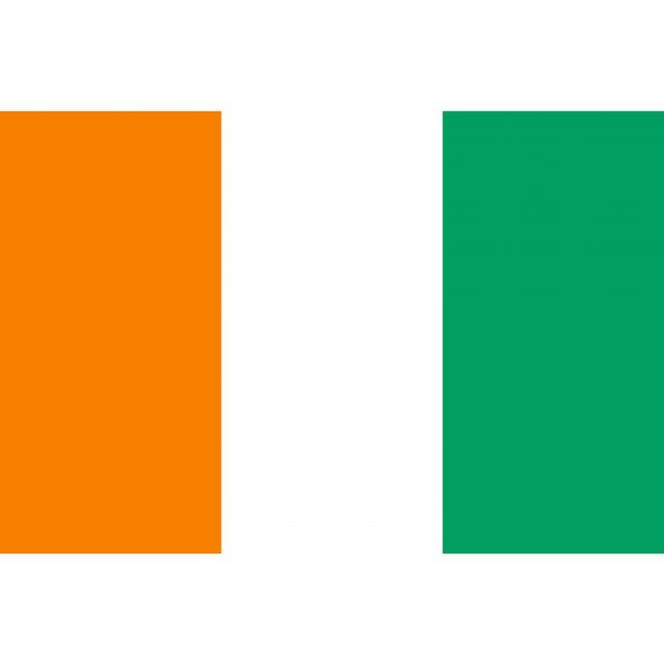 Tafelvlaggen Ivoorkust 10x15cm | Ivoriaanse tafelvlag De vlag van Ivoorkust is een verticale driekleur, en toont drie gelijke banden, een oranje, een witte en een groene. Het oranje staat voor het land en zijn vruchtbaarheid, het wit stelt de vrede voor, en het groen staat voor hoop.