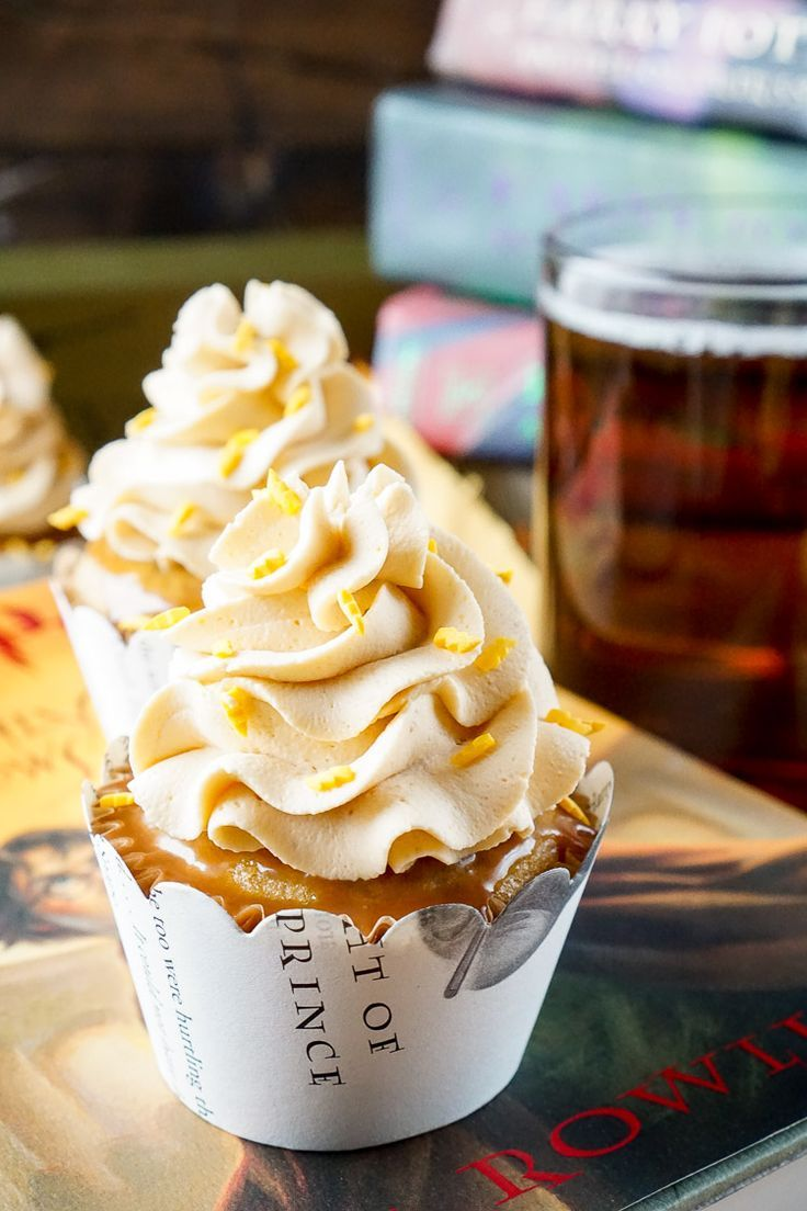 These Harry Potter Butterbeer Cupcakes are AMAZING and will cast a spell on your…