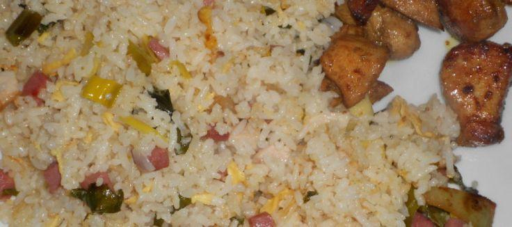 Pikante Aziatische gewokte kip met nasi   Lekker Tafelen