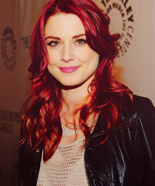Alexandra Breckenridge / American Horror Story. Love her and that gorgeous hair!