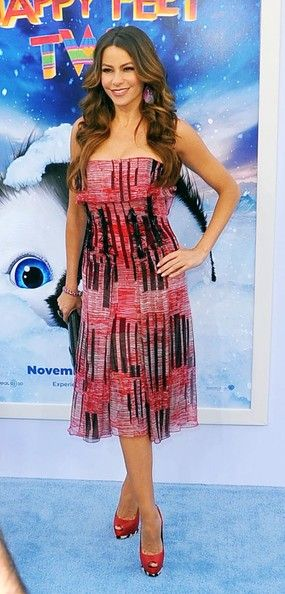 Sofia Vergara Print Dress - Sofia donned a strapless red and black pring chiffon dress for the 'Happy Feet Two' premiere.