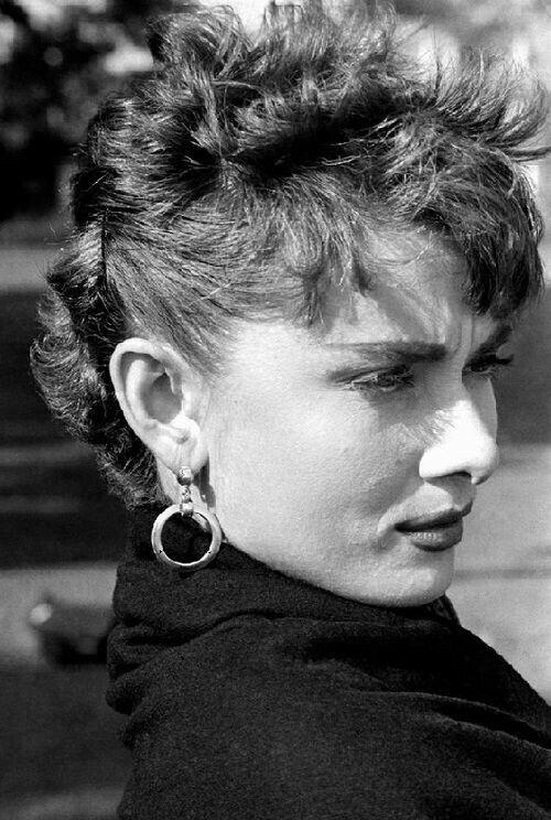 Audrey Hepburn   RePinned by : www.powercouplelife.com