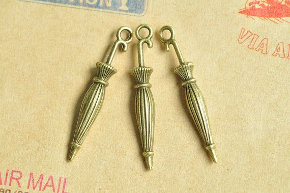 [OSWALD]  20pcs Antique Bronze Lovely Folded Umbrella Charms by BeadSources