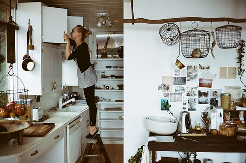 same layout as our kitchen. Love the wooden pole with hanging baskets.