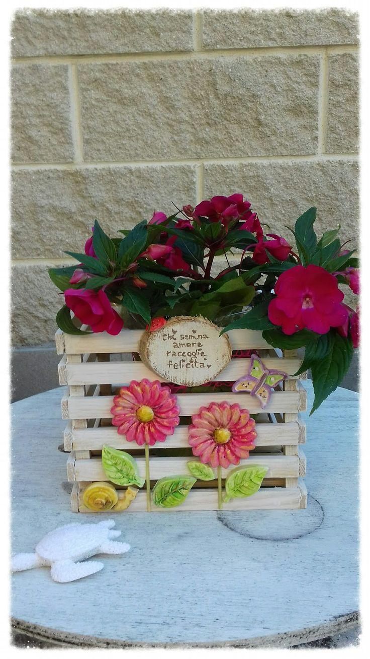 cassetta in legno dipinta per fiori