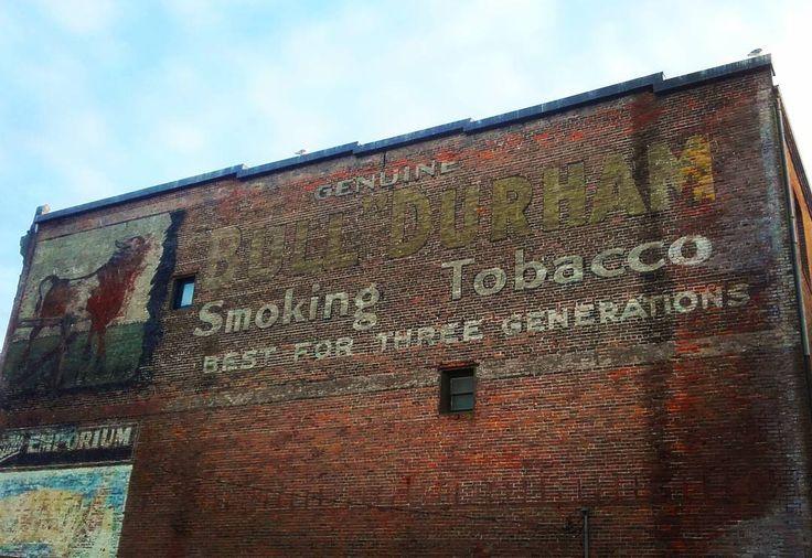 Rare old tobacco sign on the wall Port Townsend. #porttownsend #port #wall #washingtonstate #usa #trip #travel #tobacco #sign #street #seatown #cesta #cestuj #cestujeme #nacestě #amerika http://tipsrazzi.com/ipost/1517893786080178135/?code=BUQpFs2FO_X