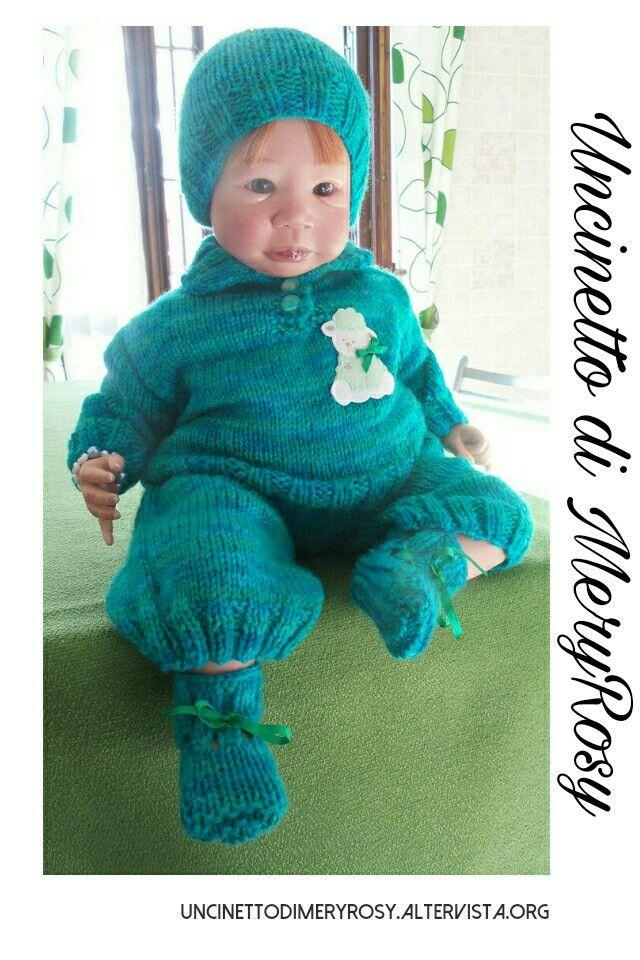 Vestitino per bambola reborn lavorato a maglia. Adatto anche ad un bimbo #vestitino #vestito #dress #handmade #fattoamano #diy #lavoroamaglia #knitted #knitting #baby #bebè #bebe #bimbo #reborn #doll #dolls #bambola
