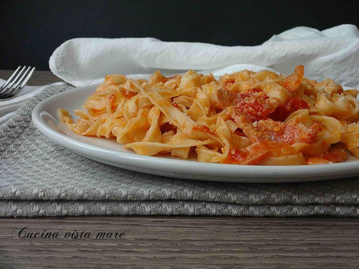 Tagliatelle+con+salsa+al+guanciale