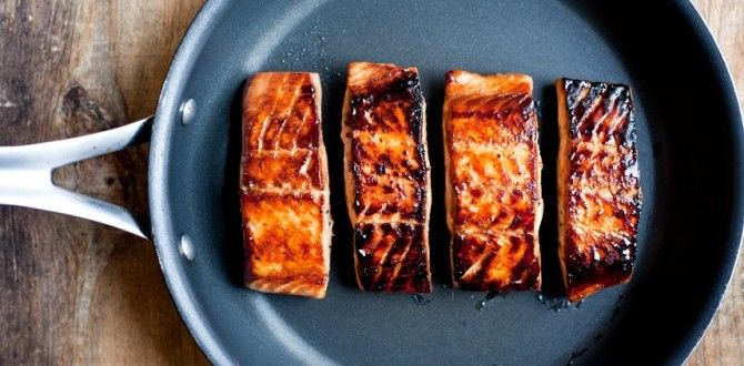 Maple Soy Salmon: 4 skinless salmon fillets - ¼ C maple syrup - 2 Tbsp soy sauce - Pepper - 1 tsp oil