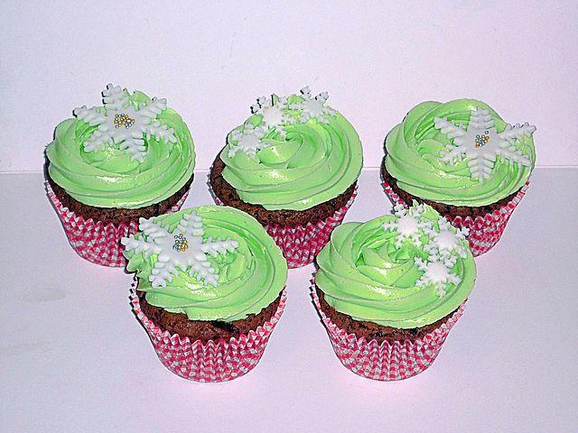 Chocolate cake and mint buttercream snowflake Christmas cupcakes by EvaRose Cakes