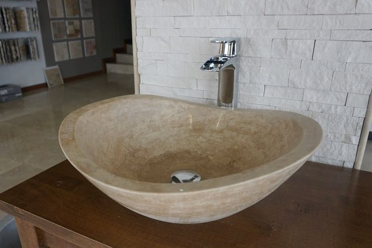 Hamburg Classic Travertine sink (DLT735) #naturalstone #sink #bathroomdesign