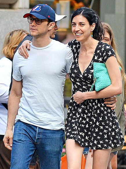 Surprise! Joseph Gordon-Levitt Is Married http://www.people.com/article/joseph-gordon-levitt-married-tasha-mccauley
