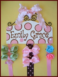 You can easily make your own bow holder and personalize it!