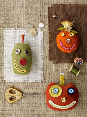OMG - what a flash back - I made these 3 years ago! Halloween Sewing Projects