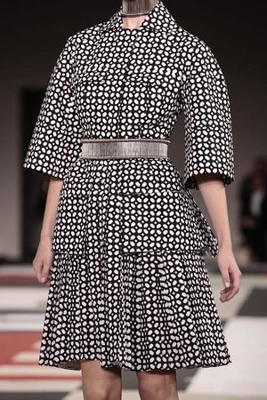 Alexander McQueen Ready To Wear Spring Summer 2014 Paris - NOWFASHION