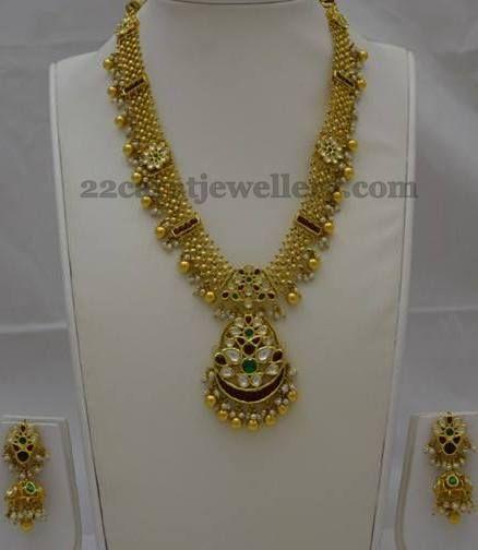 Jewellery Designs: Kundan Work Medium Size Set