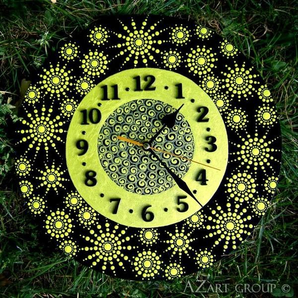 The Lime wooden mandala clock from AZart_Group by DaWanda.com