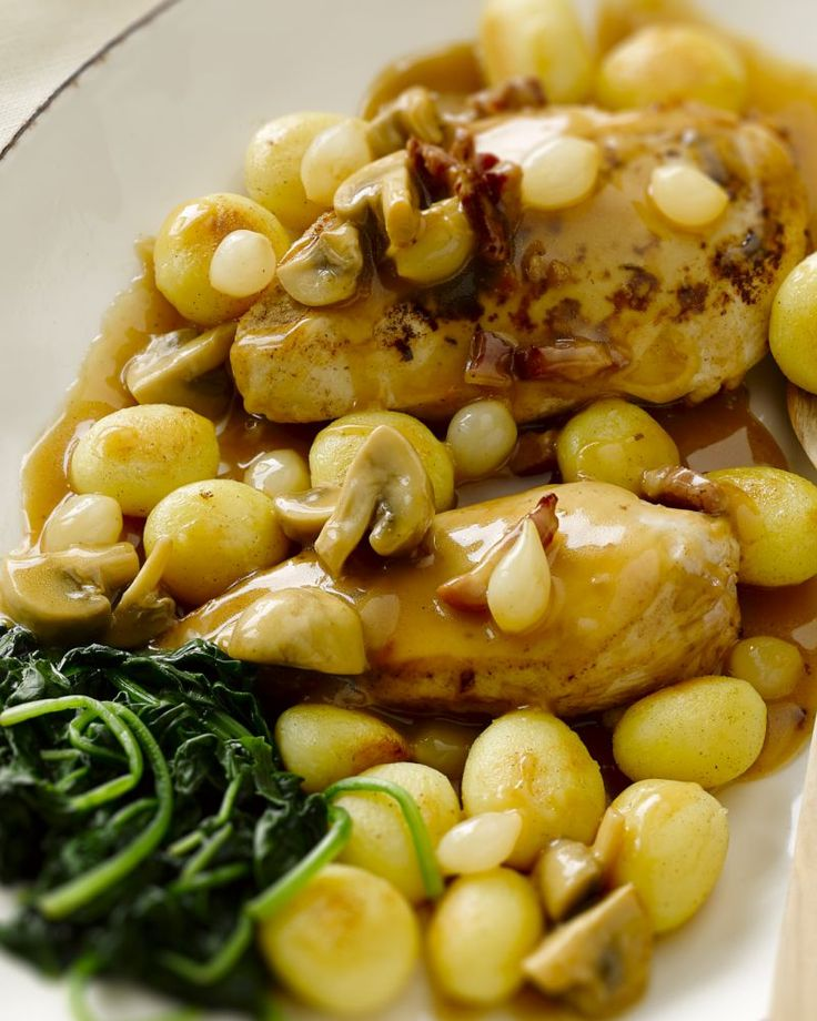 Kipfilet op grootmoeders wijze - Kipfilet met spekjes, champignons en zilveruitjes. Heerlijk! #15gram