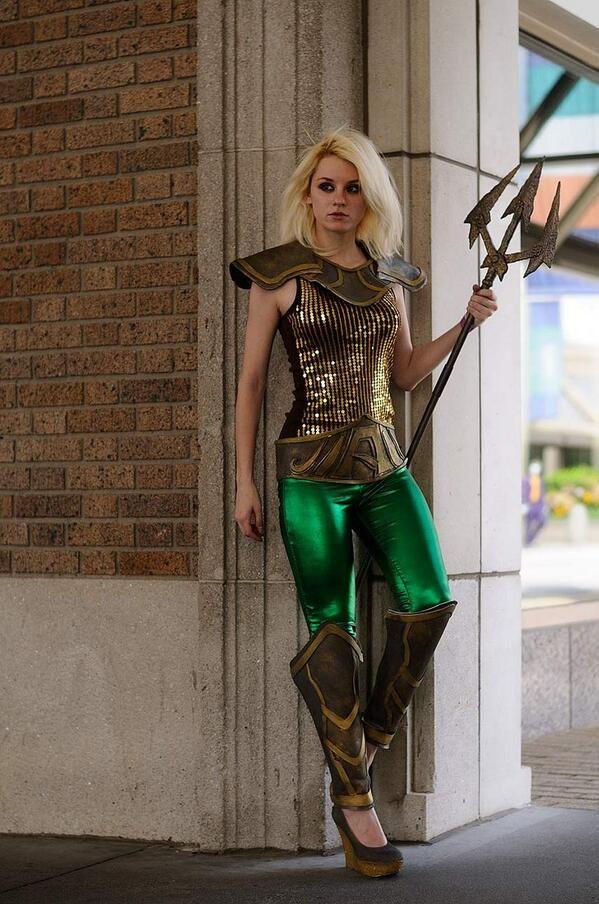 Cool Stuff We Like Here @ CoolPile.com ------- << Original Comment >> ------- Cosplay - female Aquaman