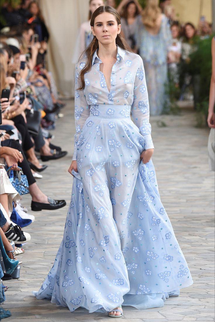 Sfilata Luisa Beccaria Milano - Collezioni Primavera Estate 2017 - Vogue