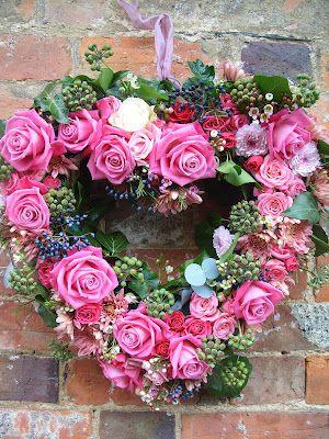 lipstickpink rose, applegreen berried ivy, bluegreen eucalyptus wreath design