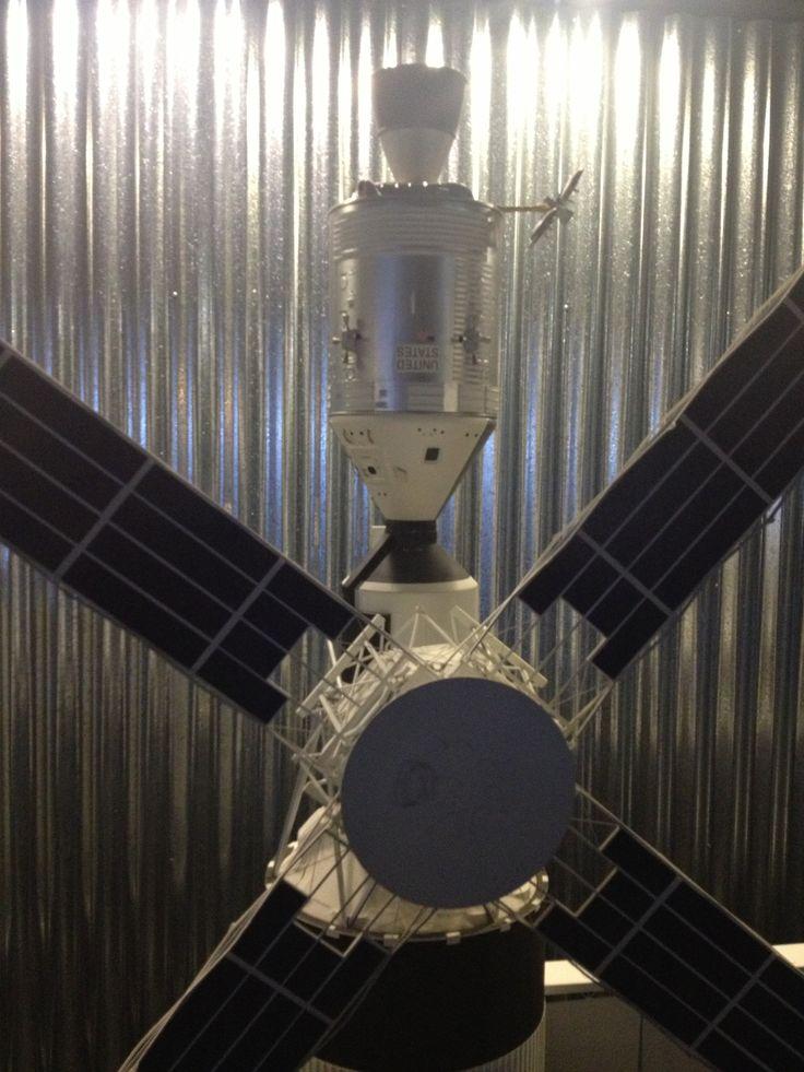 Model of first big spacestation; Skylab.