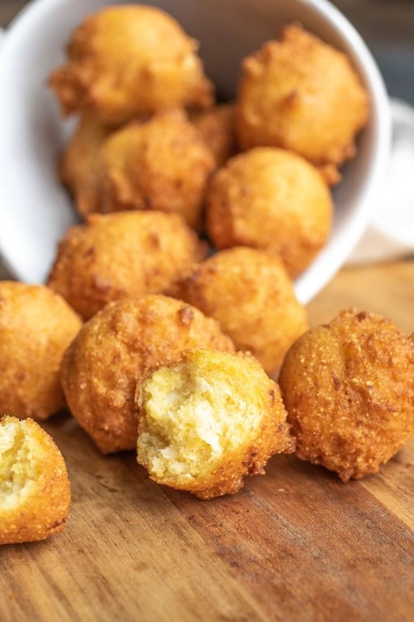 This Homemade Southern Hush Puppies Recipe Is Made With Cornmeal And Onions That Are Fried Until Perfectly C In 2020 Hush Puppies Recipe Side Dish Recipes Easy Recipes