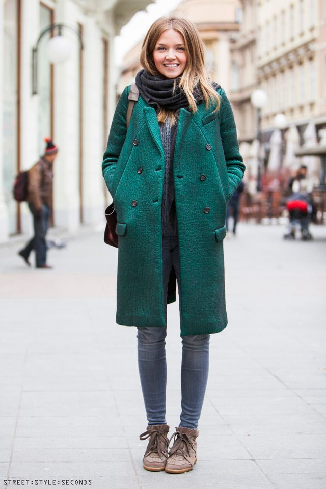 Green coa Pradat with grey jeans, isabel marant bobby sneakers - best of womens winter 2013 coats now street style. Ulicna moda Tihana Čorak Aralica